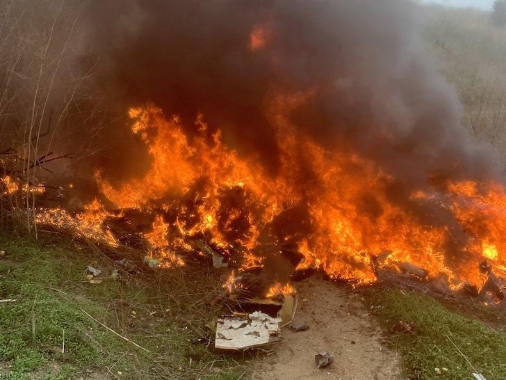 Фотографии с места крушения вертолета с Коби Брайантом на борту. Фото TMZ