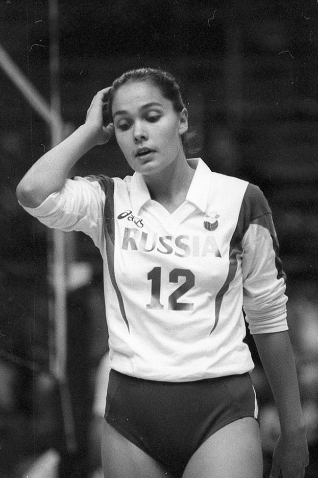 1994 год. Волейболистка сборной России Наталья Гончарова. Фото Дмитрий Солнцев, -