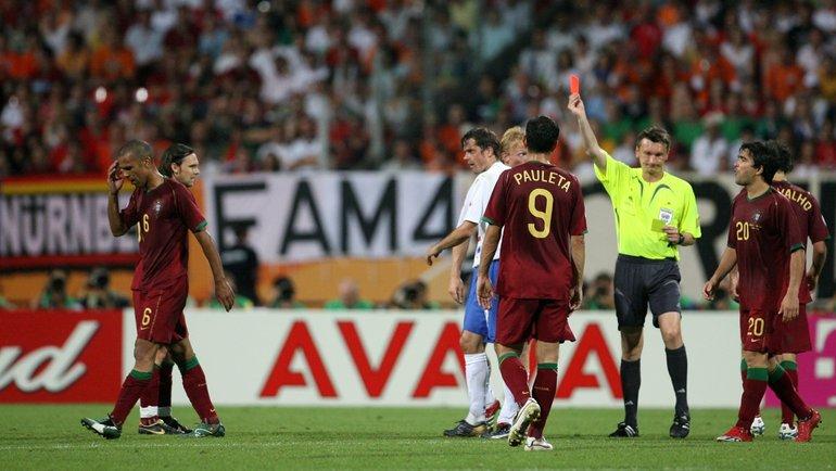 «Желтая карточка для арбитра». Как Валентин Иванов судил скандальный матч ЧМ-2006 между Португалией иГолландией