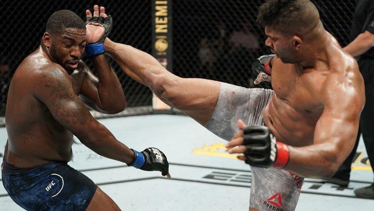 Алистар Оверим нокаутировал Уолта Харриса натурнире UFC Fight Night 172. Фото MMA Fighting