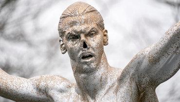 Статуя Ибрагимовича вМальме будет отремонтирована иперенесена из-за атак вандалов