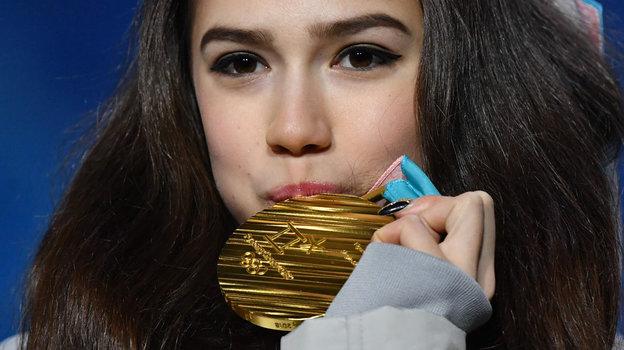 23февраля 2018 года. Пхенчхан. Золотая медаль Олимпийских игр Алины Загитовой. Фото AFP