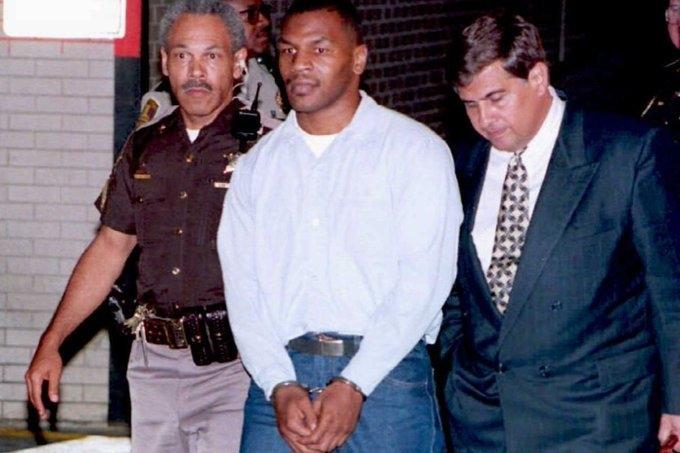 Майк Тайсон арестован.