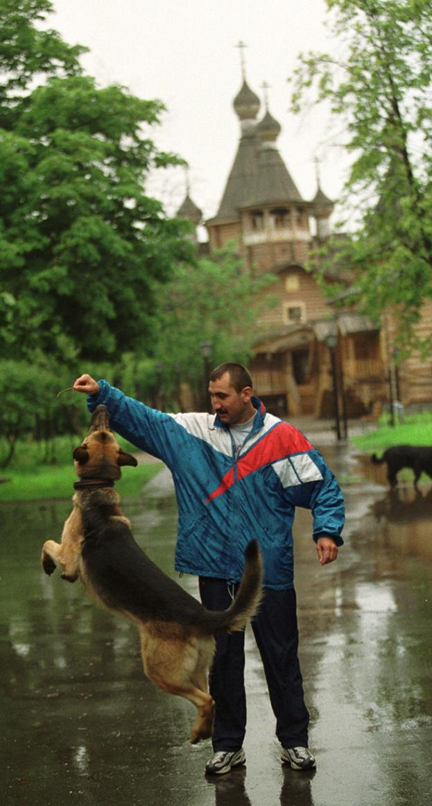 2000 год. Олимпийский чемпион, чемпион мира иЕвропы побоксу Александр Лебзяк. Фото Андрей Голованов иСергей Киврин, -