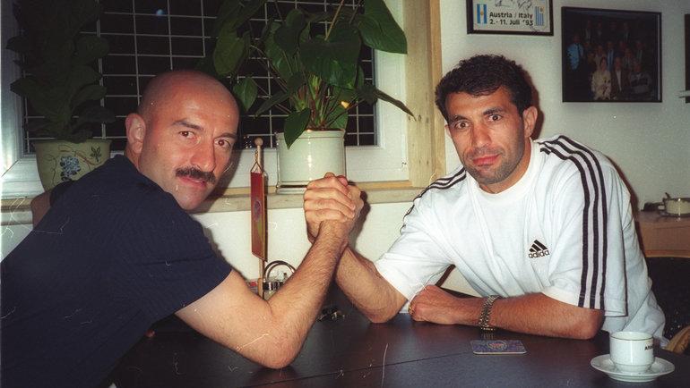 1998 год. Станислав Черчесов иРашид Рахимов. Фото Борис Тосунян, -
