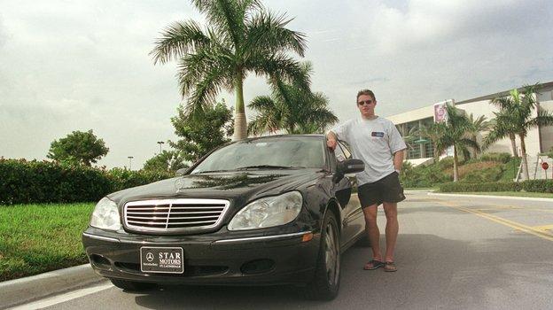 24декабря 1999 года. Майями. Павел Буре иего автомобиль. Фото Александр Вильф, -