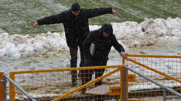 Петарда Акинфеева, снегопад вИрландии. Самые скандальные матчи сборной России
