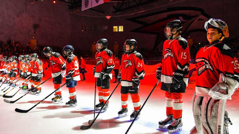 Молодые хоккеисты «Авангарда». Фото ХК «Авангард».