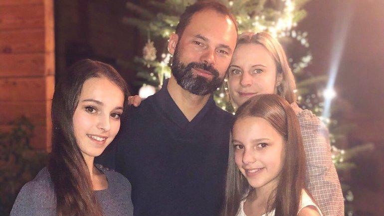 Анна Щербакова сродителями исестрой. Фото instagram.com