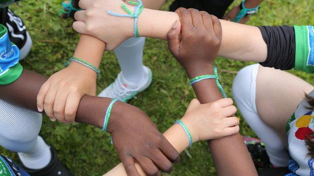 Браслет Дружбы – важный символ дл всех участников.