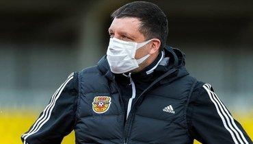 «Арсенал» провел тренировку насвоем стадионе. Узнаете Черевченко вмаске?