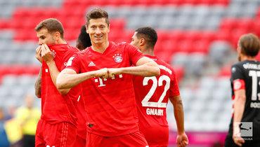 «Бавария» разгромила «Фортуну», Левандовски сделал дубль