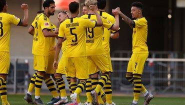 Хет-трик Санчо помог дортмундской «Боруссии» разгромить «Падерборн»