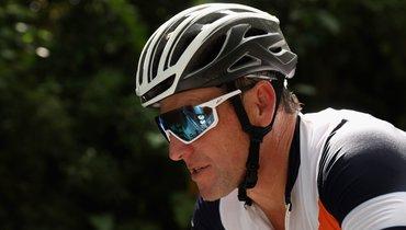 Армстронг извинился перед помощницей, которую обозвал алкоголичкой ишлюхой