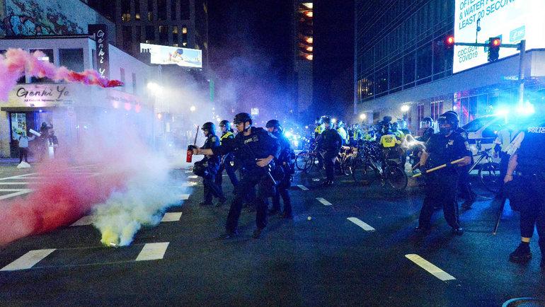 Беспорядки вСША из-за убийства полицейским афроамериканца. Фото AFP