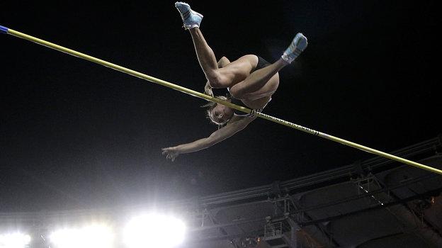 2008 год. Прыжок Елены Исинбаевой вРиме. Фото Reuters