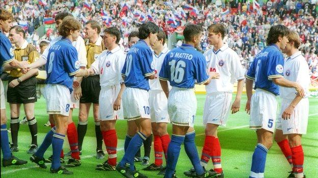 Сборная России проиграла на Евро-96