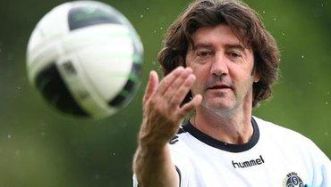 Источник: в «Локомотиве» будет работать легенда «Барселоны»