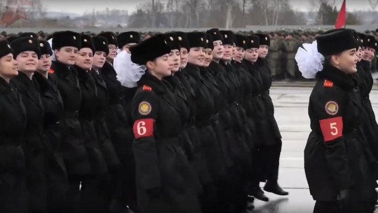 Дети напараде Победы.