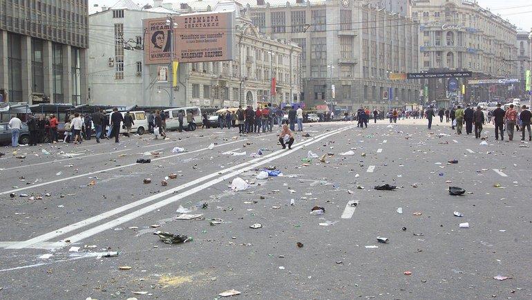 9июня 2002 года. Москва. Последствия беспорядков. Фото Григорий Филиппов