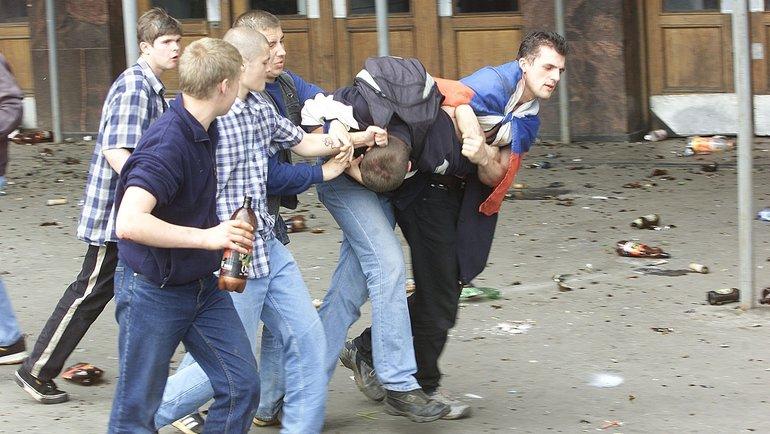 9июня 2002 года. Москва. Вбеспорядках погиб 17-летний школьник. Фото Григорий Филиппов