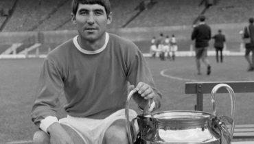 Легенда «Манчестер Юнайтед» Тони Данн скончался ввозрасте 78 лет
