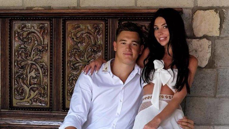 Никита Задоров с женой Александрой. Фото Instagram.com