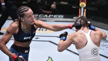 Русская девушка— звезда турнира UFC: уронила американку хай-киком, апотом задушила