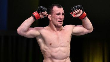 Мераб Двалишвили после победы над Густаво Лопесом натурнире UFC onESPN 10.