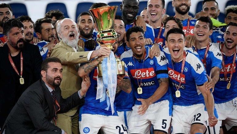 17июня. Рим. «Наполи»— «Ювентус»— 0:0, пенальти— 4:2. Футболисты «Наполи» празднуют победу.