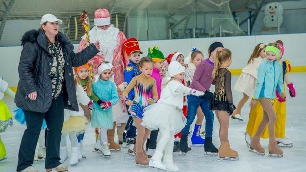 Марина Черкасова и ученики. Фото Facebook/mcherkasova