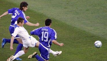 16 лет назад форвард сборной России вошел висторию Евро. Помните, каким образом?