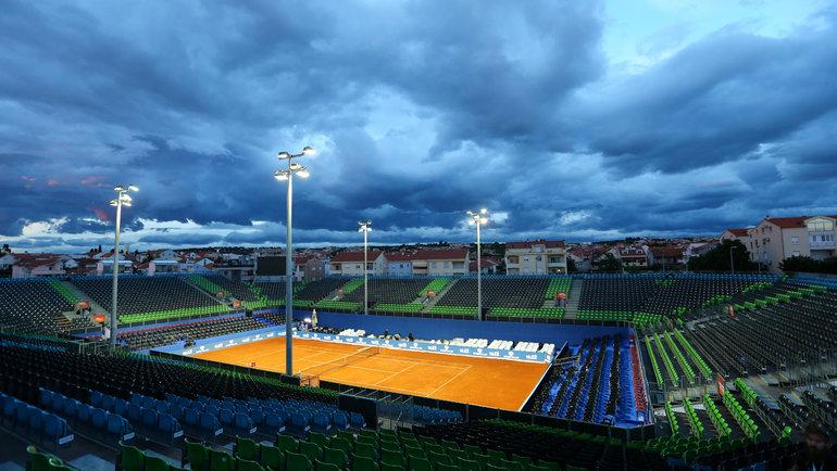 Пустой корт после отмены матча Григора Димитрова. Фото Reuters