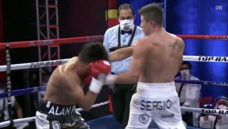 Серхио Санчес нокаутировал Густаво Пину.