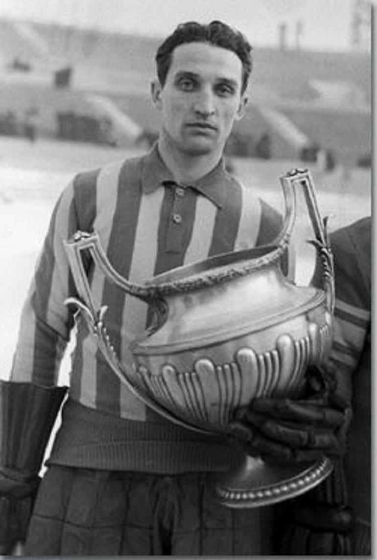 Олимпийский чемпион изпервой супертройки советского хоккея. Депрессия довела его досрыва итрагедии