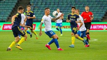 19июня. Сочи. «Сочи»— «Ростов»— 10:1. Хозяева разгромили команду 17- и18-летних игроков гостей.