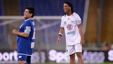 Роналдинью может возобновить карьеру вкоманде Марадоны