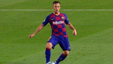 ВИталии сообщают, что Артур заключил с «Ювентусом» контракт до2025 года