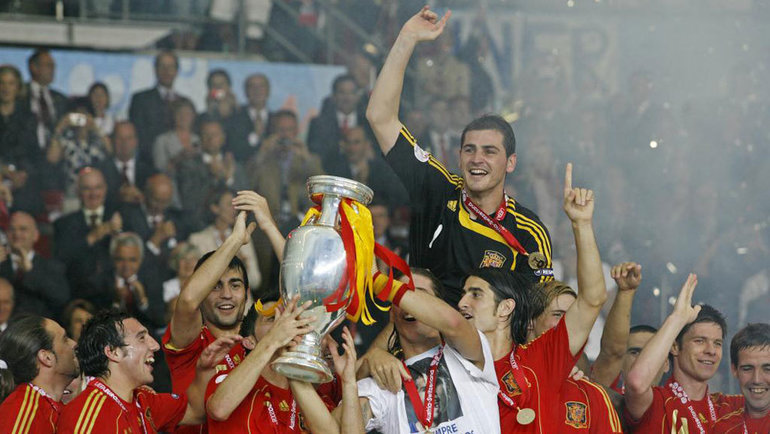 Испания празднует победу наЕвро-2008. Фото Marca