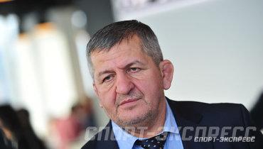 «Нет слов...» «Анжи» выразил соболезнования всвязи сосмертью отца Хабиба Нурмагомедова