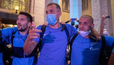(слева направо) Алексей Сутормин, Артем Дзюба, Ярослав Ракицкий.