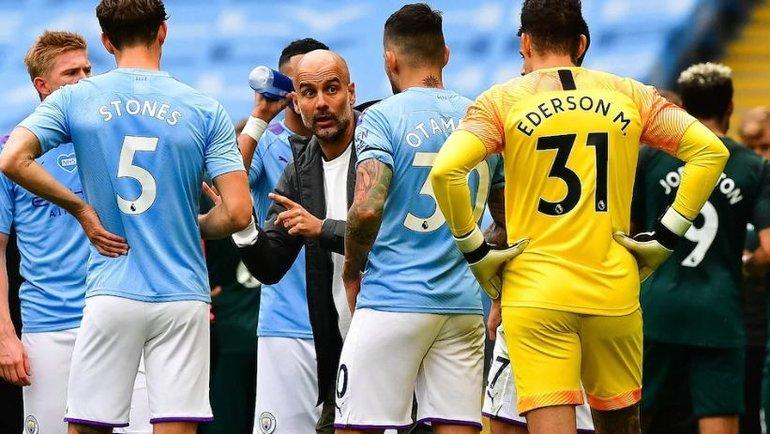Хосеп Гвардьола сигроками «Манчестер Сити». Фото The Telegraph
