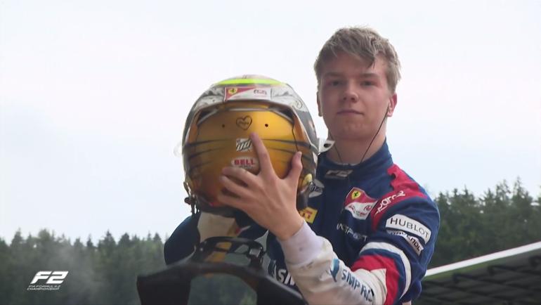 Шварцман посвятил умершему откоронавируса отцу первую победу вкарьере в «Формуле-2»