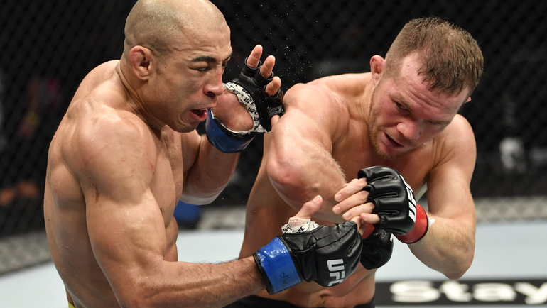 Россиянин Петр Яннатурнире UFC 251 победил бразильца Жозе Альдо. Фото UFC