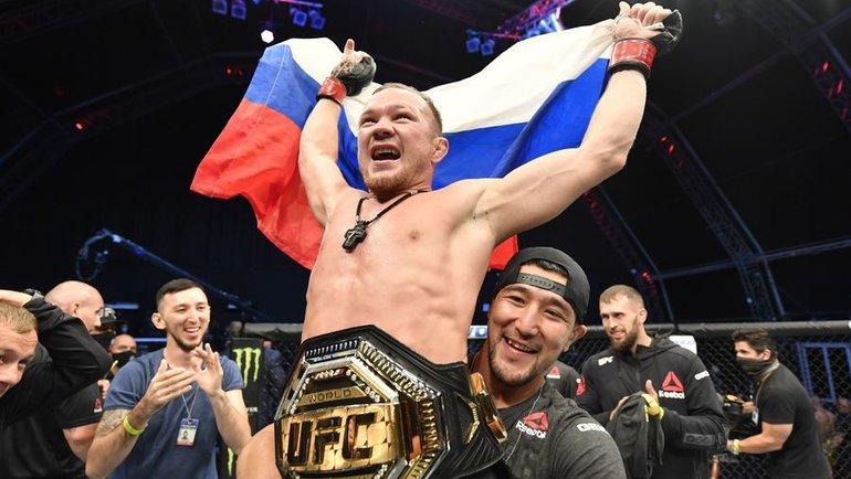 Петр Яннокаутировал Жозе Альдо изавоевал вакантный пояс чемпиона UFC. Фото MMA Fighting