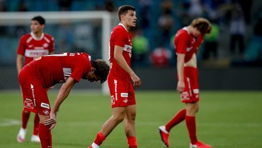 11июля. «Сочи»— «Спартак»— 1:0. Игроки красно-белых после поражения.