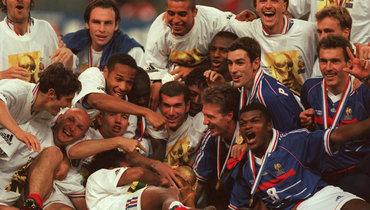 Загадка Роналдо, подвиг Зидана. Кто помнит этот великий финал?