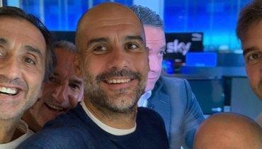 Хосеп Гвардьола иего коллеги по «Ман Сити».
