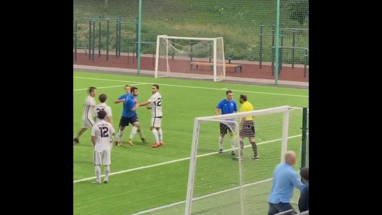 Инцидент вовремя матча «Сахалинец»— «Легион». Фото Instagram.