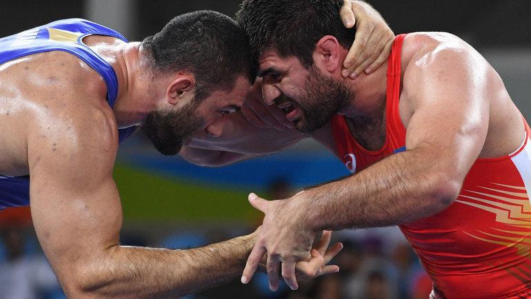 Билял Махов (слева). Фото AFP